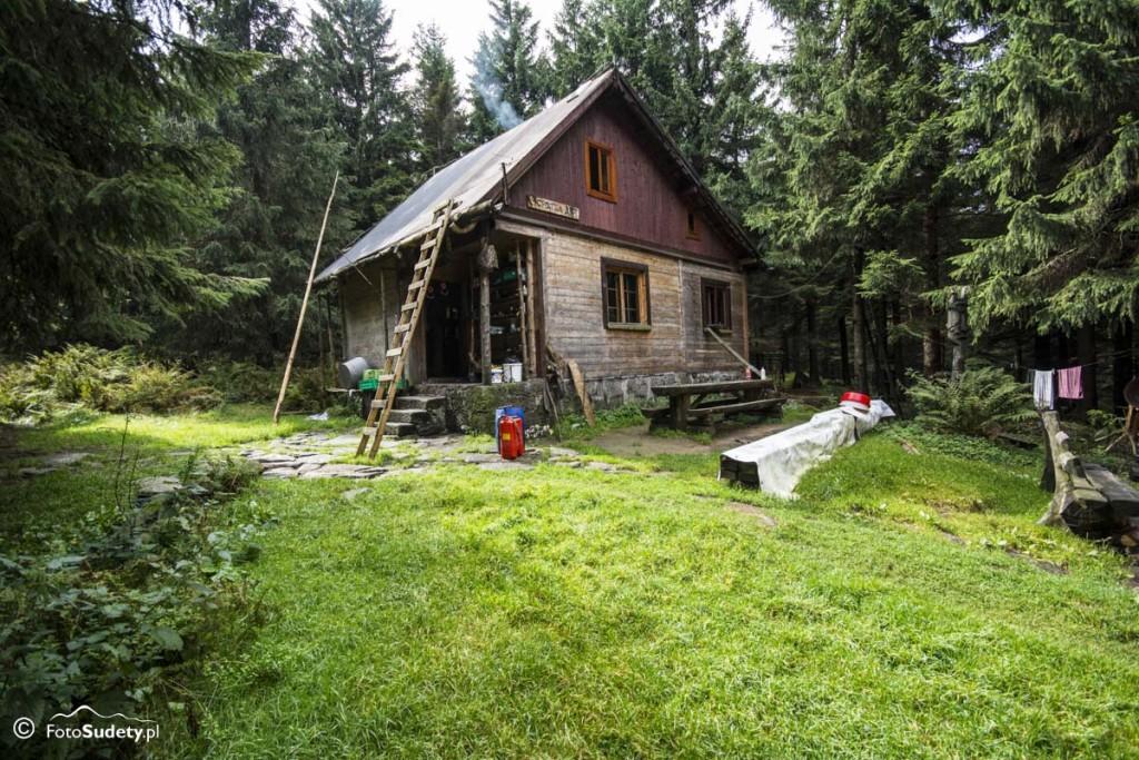 Sudety – chatki drewniane – Chatka AKT w Karkonoszach