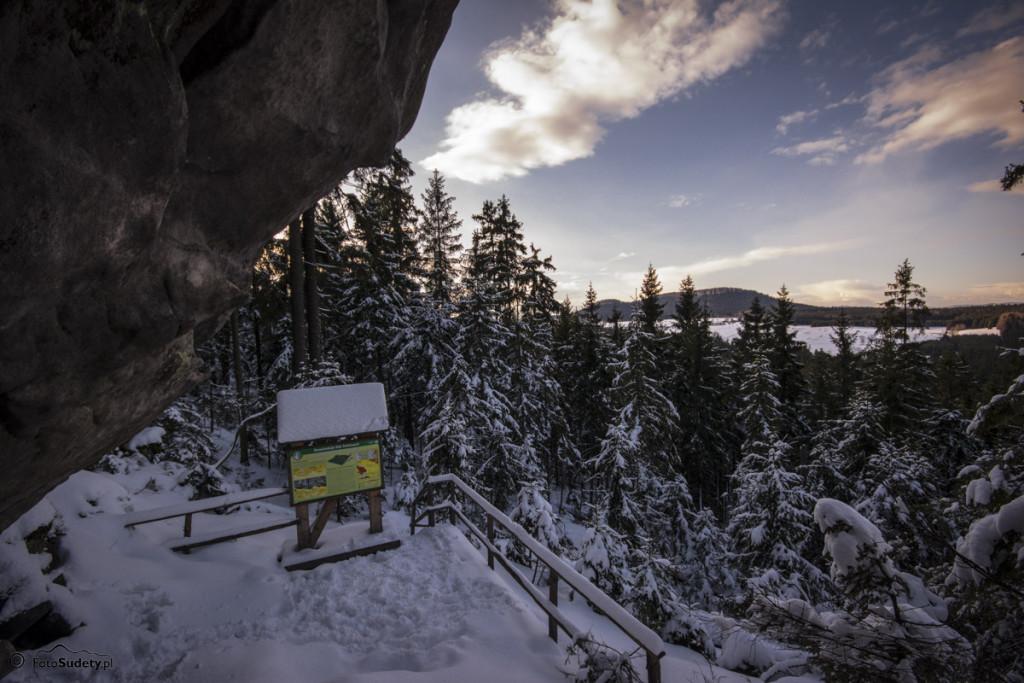 Góry Stołowe: Lisia Przełęcz – Białe Skały