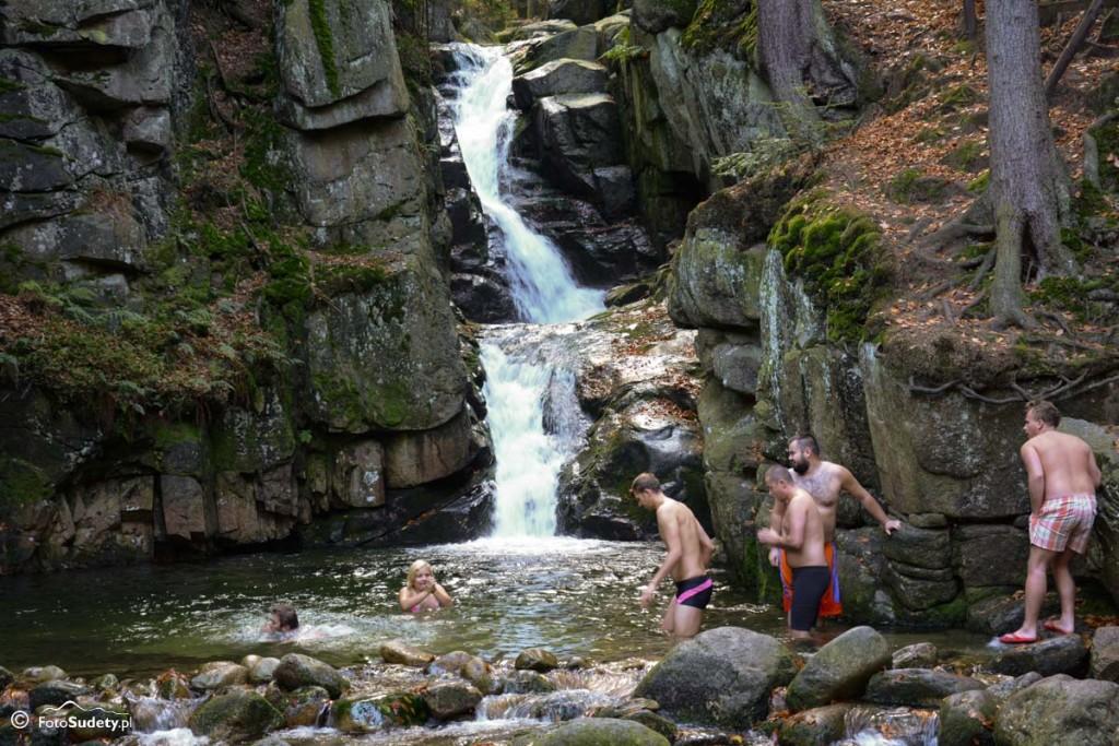Karkonosze: Kąpiele morsów – Wodospad Podgórnej w Przesiece