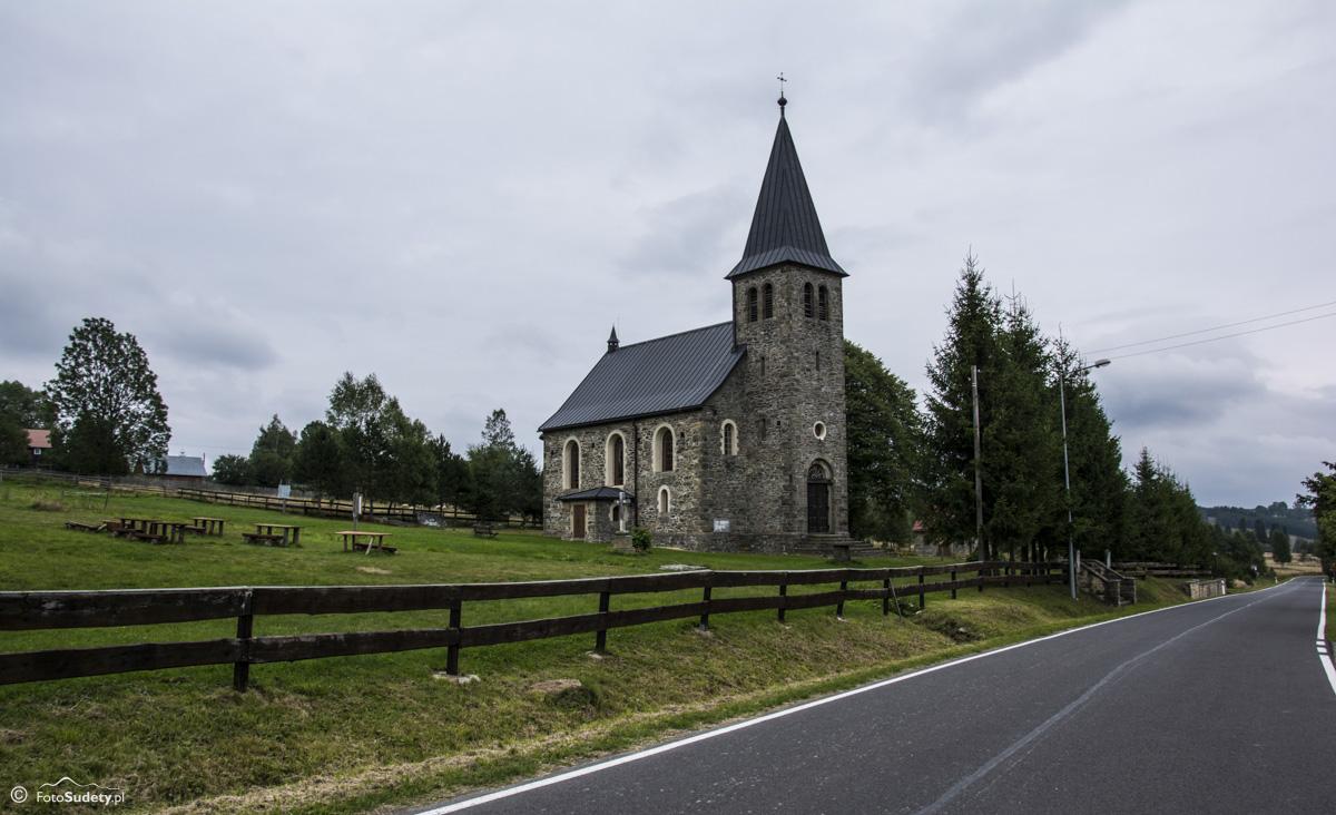 023 Kościół w Lasówce