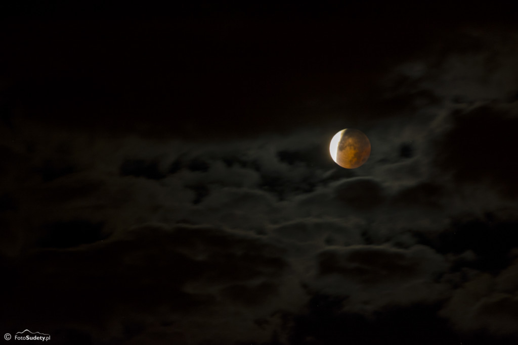 Krwawy księżyc i wschód słońca na Sokoliku