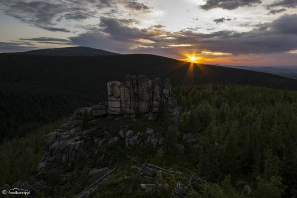 Zachód słońca na Ptasich Skałach