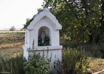 054 Kapliczka przed Piotrowicami Nyskimi