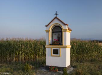 061 kapliczka przed Ratnowicami