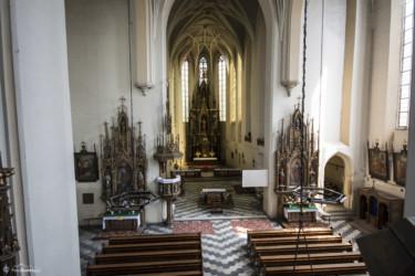 093 Wnętrze kościoła