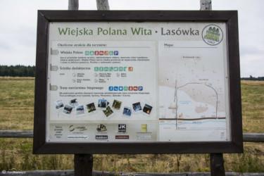 028 Tablica przy polanie biwakowej w Lasówce