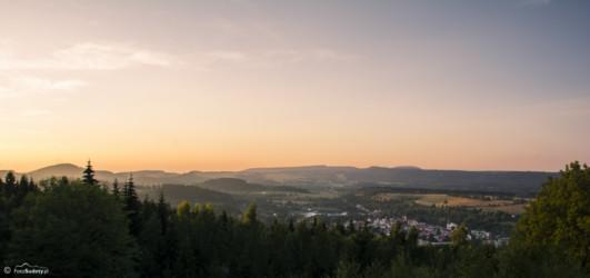 062 Widok na Góry Stołowe ze Schroniska Pod Muflonem