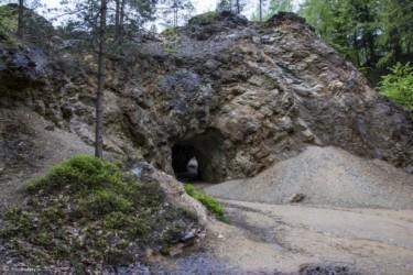 003 Jaskinia - przejście między jeziorkami
